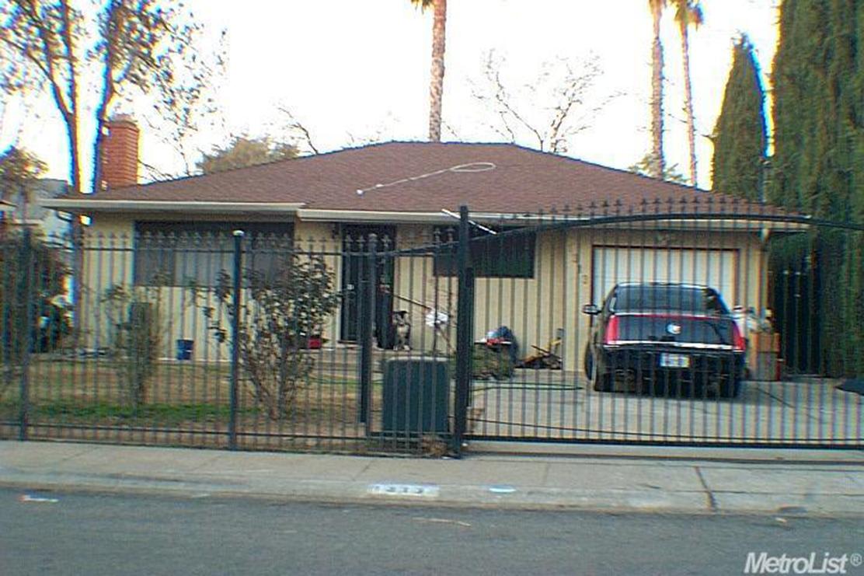 1313 Los Robles Blvd